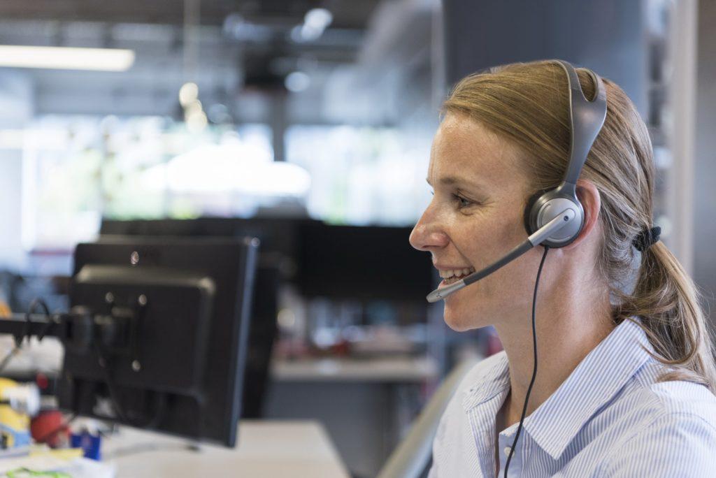 female support phone operator